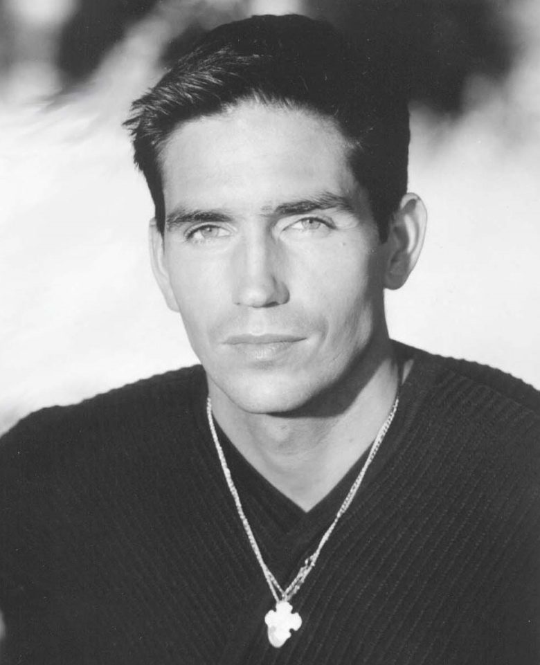 Hombres Que Amamos Jim Caviezel Person Of Interest Spoiler Time Kerri browitt caviezel is a favorite for being the spouse of the famed actor, jim caviezel. hombres que amamos jim caviezel
